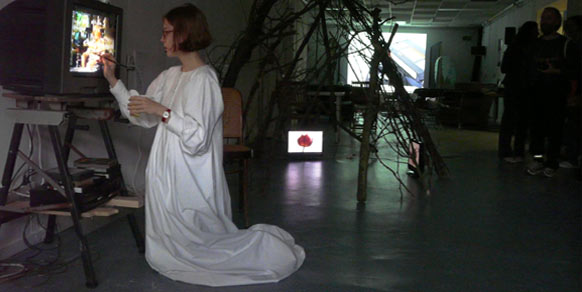 Installations and a performance by Sonja van Kerkhoff + Carmen McGlinn at Openmakers Studio as part of LISFE Leiden